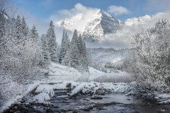 COLORADO maroon bells winter morning mist