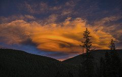COLORADO standing lenticular cloud sunset