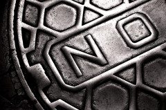 NEW ORLEANS (b)manhole cover